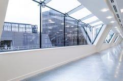 Grandi finestre dell'ufficio Fotografie Stock