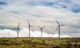 Grandi generatori eolici nelle montagne dell'isola del Madera Fotografia Stock Libera da Diritti