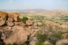 Grandi massi al paesaggio di Hampi India fotografia stock libera da diritti