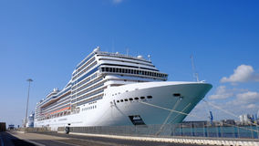Grandi navi da crociera nel porto Immagini Stock Libere da Diritti