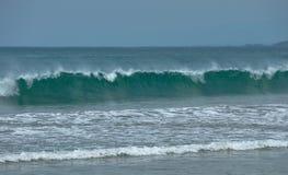 Grandi onde su Bali immagini stock