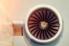 Grandi palette della turbina piane del motore fotografia stock libera da diritti