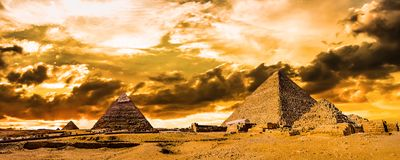 Grandi piramidi di Giza immagine stock libera da diritti