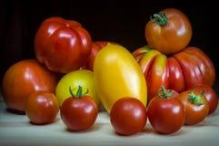 Grandi pomodori naturali organici, forme differenti Fotografie Stock