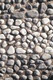 Grandi rocce in bianco e nero del ciottolo fotografia stock