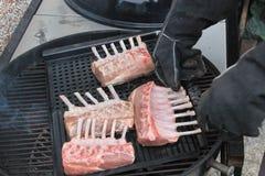 Grandi scaffali delle costole sul BBQ immagine stock libera da diritti