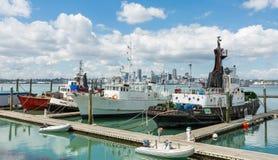 Grandi shipss nel porto Auckland Nuova Zelanda Immagini Stock Libere da Diritti