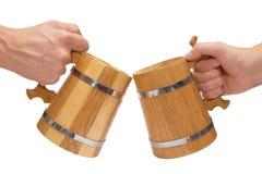 Grandi tazze di birra di legno Fotografie Stock