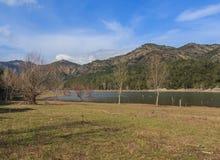 A grandiosidade do grande lago antes de mim Imagem de Stock Royalty Free