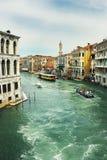 Grandioso do canal visto da ponte de Rialto Fotografia de Stock
