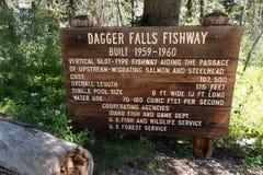 GRANDJEAN, IDENTIFICAZIONE: Segno per Dagger Falls Fishway che dà dimensione e le statistiche di uso e di costo dell'acqua fotografia stock libera da diritti