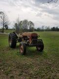 Grandpa& x27 ; tracteur de s image stock