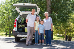 Grandparents going on road trip with grandchildren Royalty Free Stock Photos