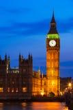 Grands Ben Clock Tower et Chambres du Parlement à la ville des westmins Images libres de droits