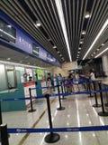 Grands centres commerciaux, clients dans des centres commerciaux photos stock