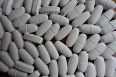 Grands comprimés blancs de calcium d'en haut Image libre de droits