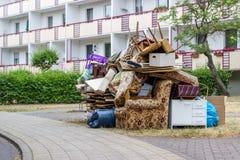 Grands déchets encombrants photo libre de droits