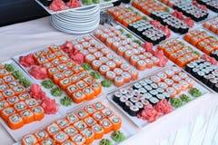 Grands ensembles de sushi Photo stock