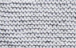Grands fils de laine tricotés de fond de gris Image libre de droits