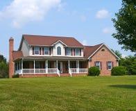 Grands maison et yard photographie stock libre de droits