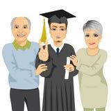 Grands-parents fiers et heureux du petit-fils tenant le diplôme le jour de cérémonie  illustration libre de droits