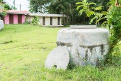Grands pots antiques en Thaïlande Photographie stock