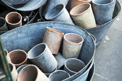 Grands pots vides en vente Images stock