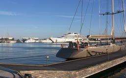 Grands yachts privés dans le port - Espagne Tarragone 12 06 2016 Photographie stock