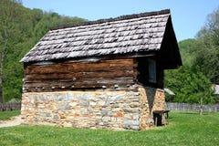 Granero colonial en parque nacional Imagen de archivo