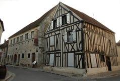 Granero de diezmo y casa medieval en Provins en Francia fotografía de archivo