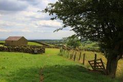 Granero de piedra viejo, North Yorkshire, Inglaterra Imagenes de archivo