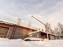 Granero de Taditional del sueco en invierno Imagen de archivo libre de regalías