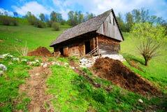 Granero de vaca en campo Foto de archivo
