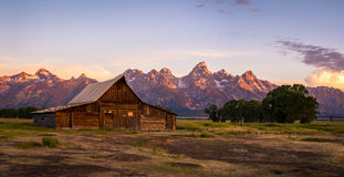 Granero en fila mormona, parque nacional magnífico de Teton, Wyoming de Moulton Fotos de archivo libres de regalías