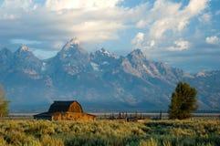 Granero histórico en el parque nacional magnífico de Teton Imagenes de archivo