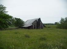 Granero solo en Ozark Mountains de Arkansas imagen de archivo
