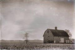 Granero viejo en granja en el campo de Indiana blanco y negro ilustración del vector