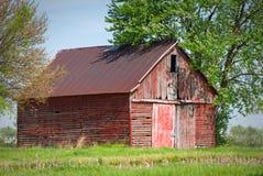 Grange abandonnée dans le pays Photo libre de droits