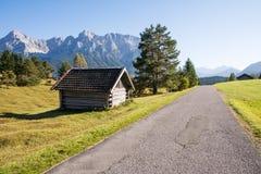 Grange alpine Photographie stock libre de droits