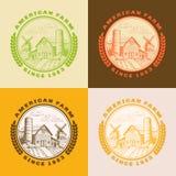 Grange américaine de ferme pour l'agriculture avec le moulin à vent, ensemble de logo illustration libre de droits