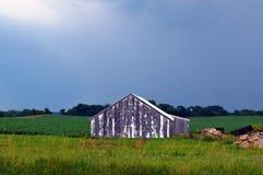 Grange après la tempête Photo libre de droits