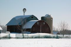 Grange de l'hiver Photo libre de droits