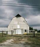 Grange nuageuse Photo libre de droits