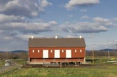Grange rouge Photographie stock libre de droits