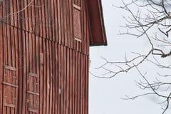 Grange rouge photo libre de droits