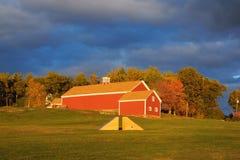 Grange rouge au musée de Fruitlands Photos libres de droits
