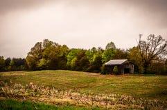 Grange rustique abandonnée Photographie stock libre de droits