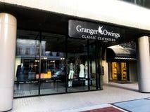 Granger Owings Classic Clothiers lokaliserade på Main Street i Columbia, South Carolina Fotografering för Bildbyråer