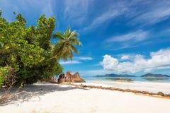 Granietrotsen op de stranden op Seychellen, het eiland van La Digue royalty-vrije stock foto's