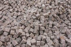 Granietstenen in een hoop worden opgestapeld die Royalty-vrije Stock Foto